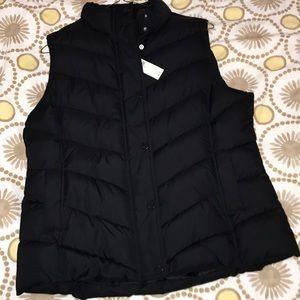 Gap factory women's puffer vest XL BNWT New